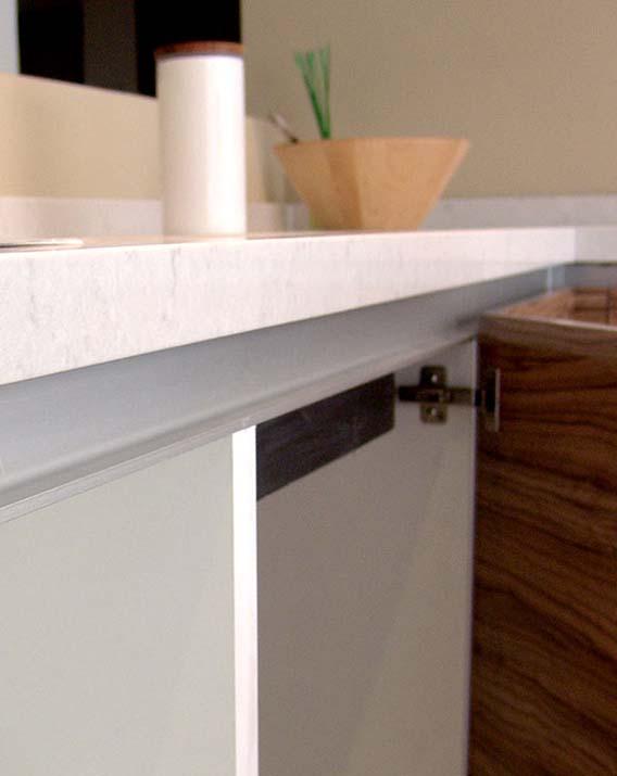 Jaladera gola l aluminio herraxa for Perfiles aluminio para muebles